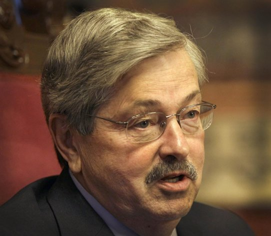 "FILE - Iowa Gov. Terry Branstad speaks during an interview with The Associated Press, in this May 11, 2011 file photo taken in Des Moines, Iowa. The Iowa straw poll has devolved into a full-blown sideshow, Branstad and other critics contend. They say it's an unfair and false test that has felled good candidates and kept others from competing in the state. The poll, which morphed over the decades into a closely watched early test of caucus campaign strength, had ""outlived its usefulness,"" Branstad told The Wall Street Journal Tuesday Nov. 20, 2012. (AP Photo/Charlie Neibergall, File)"