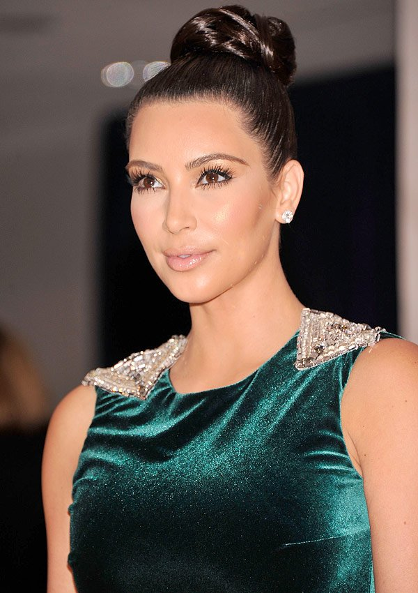 Get Kim Kardashian's Luxe Eye Liner And Glossy Nude Lip