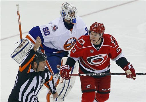 All-Star Tavares has 4 points in Islanders 5-2 win