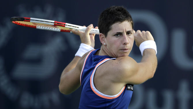 Suarez Navarro wins Portugal, Berdych makes final
