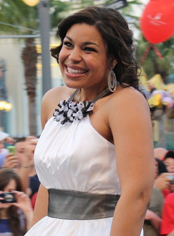 Not everyone was in love with Jordin Sparks' red carpet look last night.