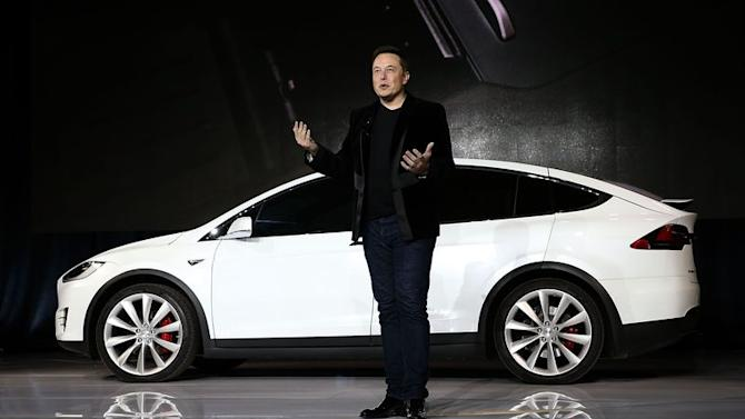 Elon Musk says Apple hires the people that Tesla fires