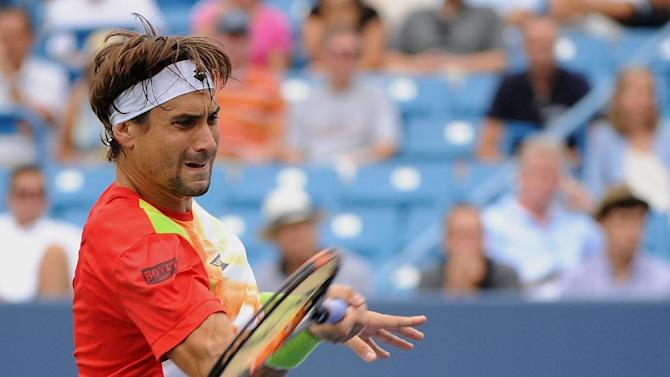 Tennis - Ferrer brushes aside Benneteau, books Cincinnati final