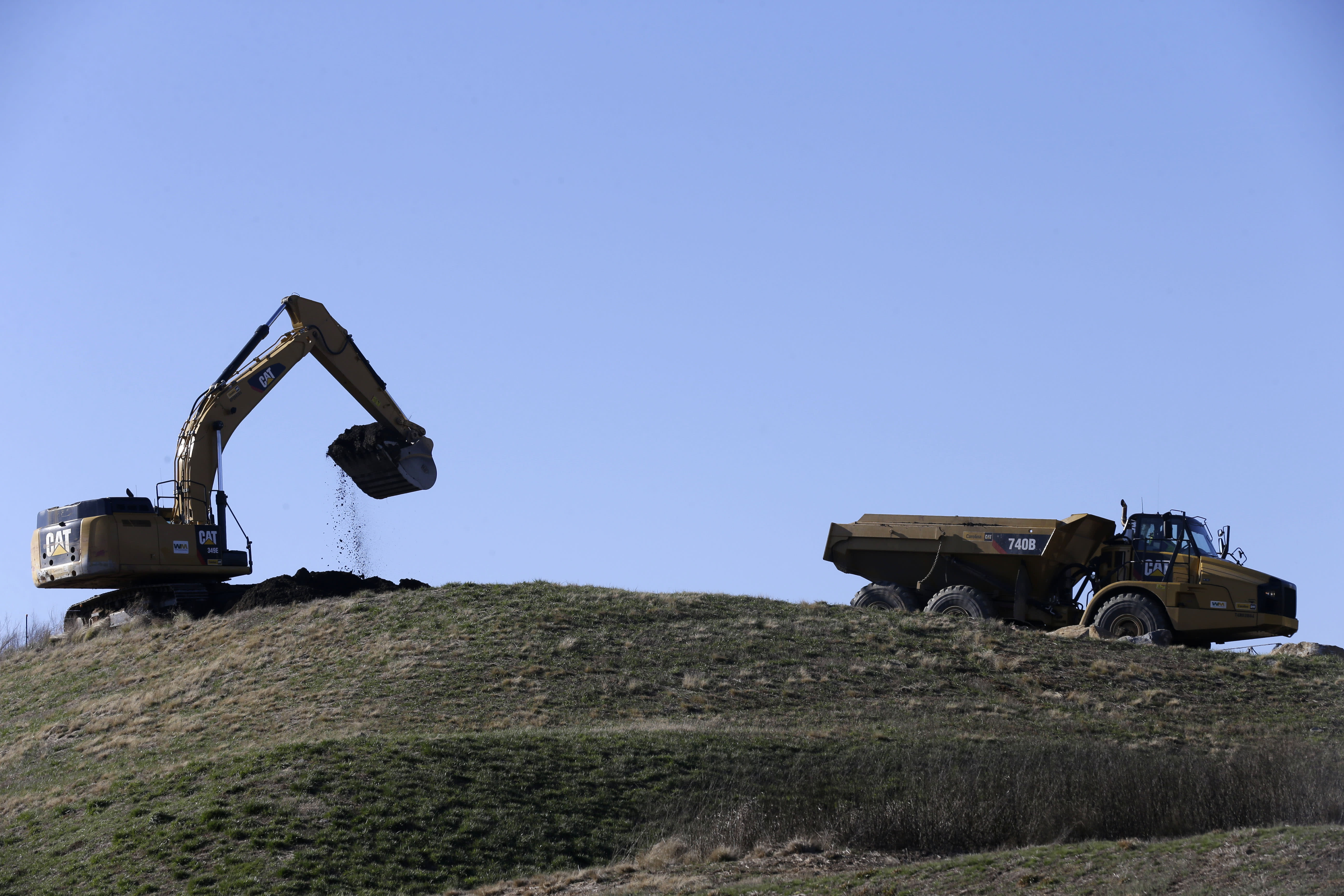 Costs of closing, cleaning toxic coal ash pits grows clearer