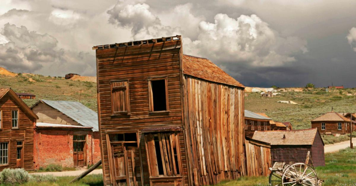 10 Abandoned, But Very Real Ghost Towns and Cities