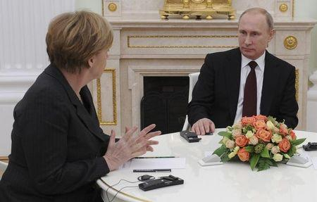 Germany's Merkel to discuss Ukraine with Putin in Moscow