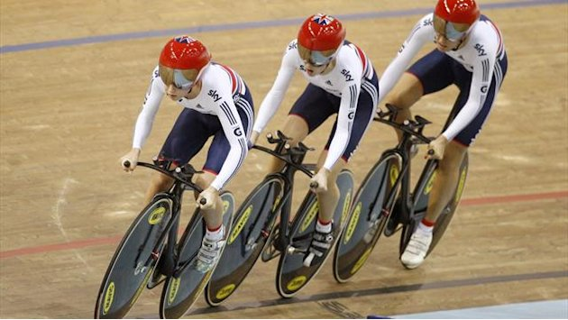 Cycling - Newton excited with team pursuit stars