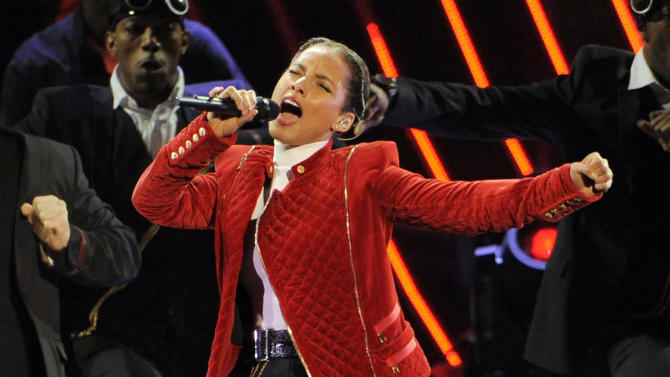 AP Source: Alicia Keys to sing Super Bowl anthem