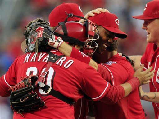 Reds beat Dodgers 6-0, clinch NL Central