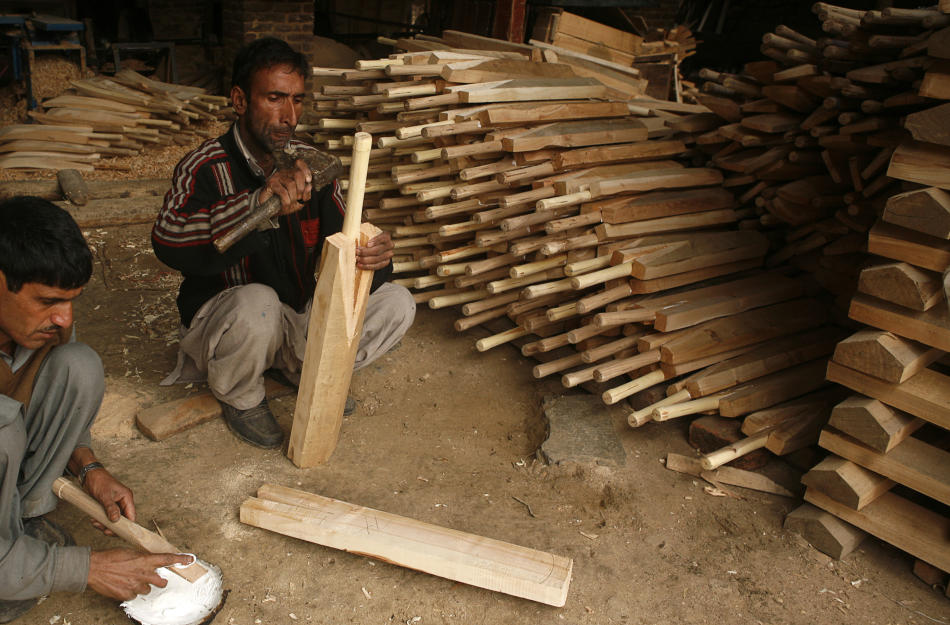 Cricket Bat Manufacturing Accelerates In Kashmir For World Cup