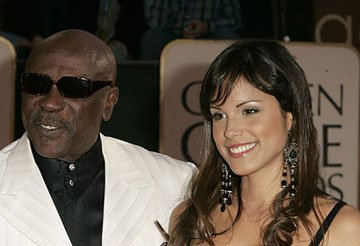 Louis Gossett Jr. and guest 63rd Annual Golden Globe Awards - Arrivals Beverly Hills, CA - 1/16/06