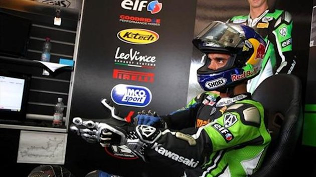 Moscow WSBK: Sofuoglu bags pole as Lowes suffers technical issue