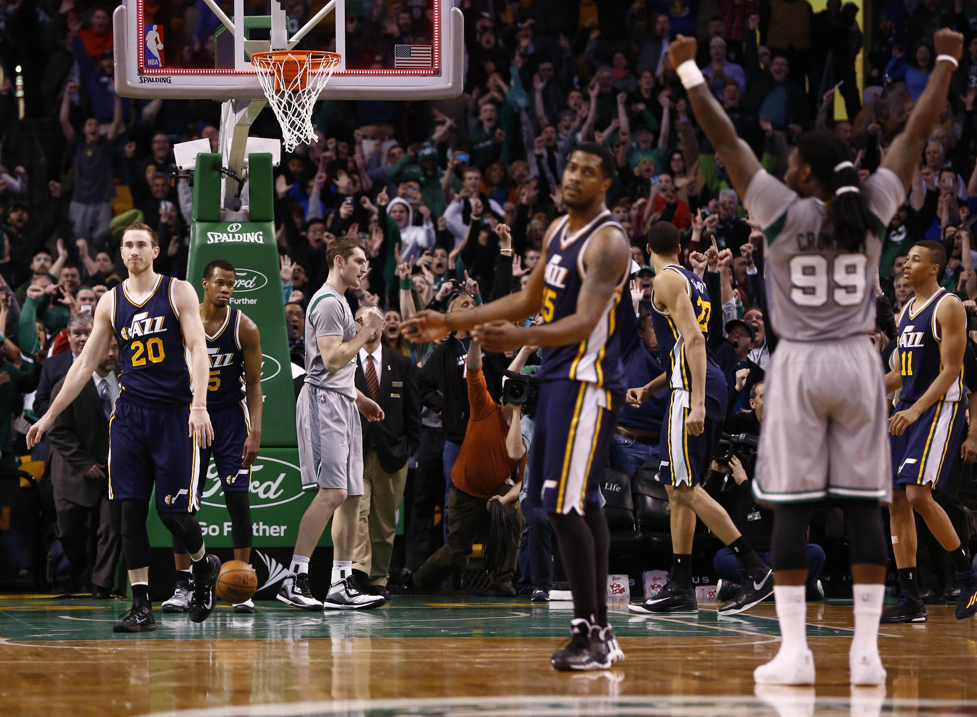 Tyler Zeller's game-winning buzzer-beating layup pushes Celtics past Jazz