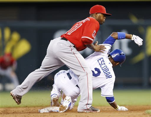 Angels hit 4 HRs, beat Royals 5-4