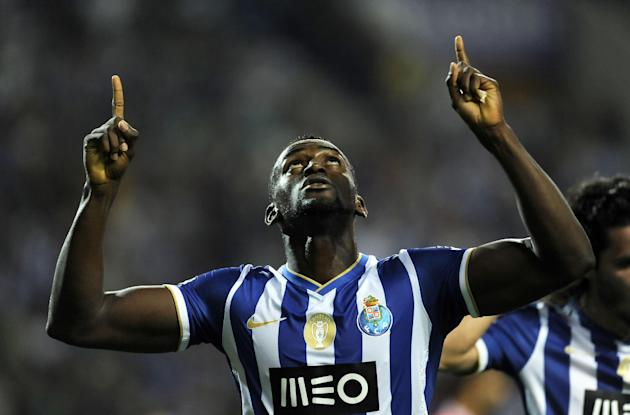 FC Porto's Jackson Martinez, from Colombia, celebrates scoring his team's second goal against Gil Vicente in a Portuguese League soccer match at the Dragao stadium in Porto, Portugal, Saturday, Sept.