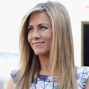 Jennifer Aniston: Sleek Hair Trend