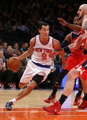 Short-handed Knicks recall Chris Smith from Erie