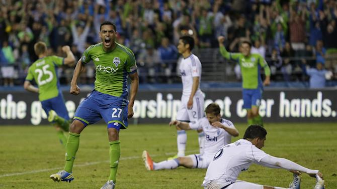 Seattle signs F Lamar Neagle to extension
