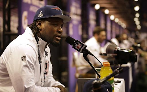 Pot charge dropped against Patriots' Blount near Pittsburgh