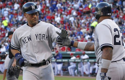 Jeter gets 4 hits for Yankees in 7-4 win at Texas