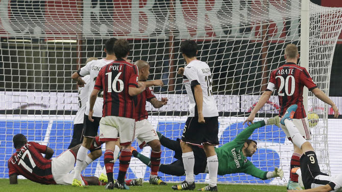 AC Milan loses 2-0 at home to Palermo in Serie A