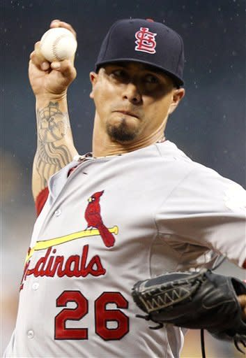 Holliday HRs to lead Cards over Pirates 4-3