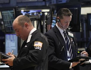 Stock market traders: Credit Reuters