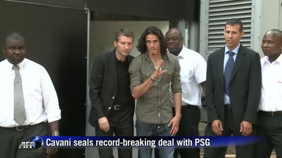 Footballer Cavani seals record-breaking deal with PSG