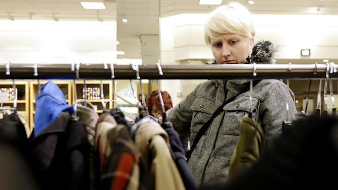 US consumers less optimistic after tax increase