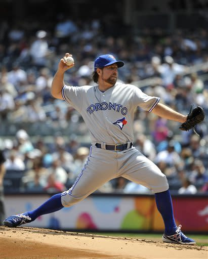 Overbay, Boesch homer off Dickey, Yanks sweep Jays