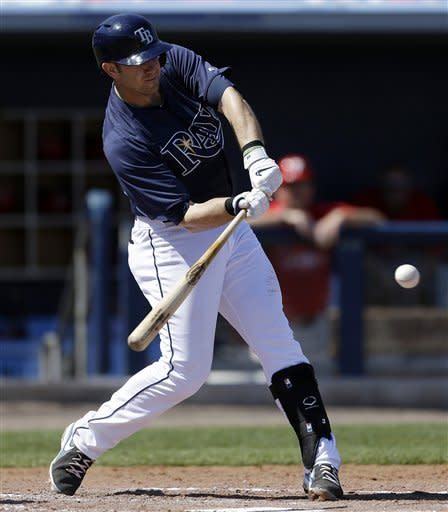 Longoria's 2-run double helps Rays beat Phillies