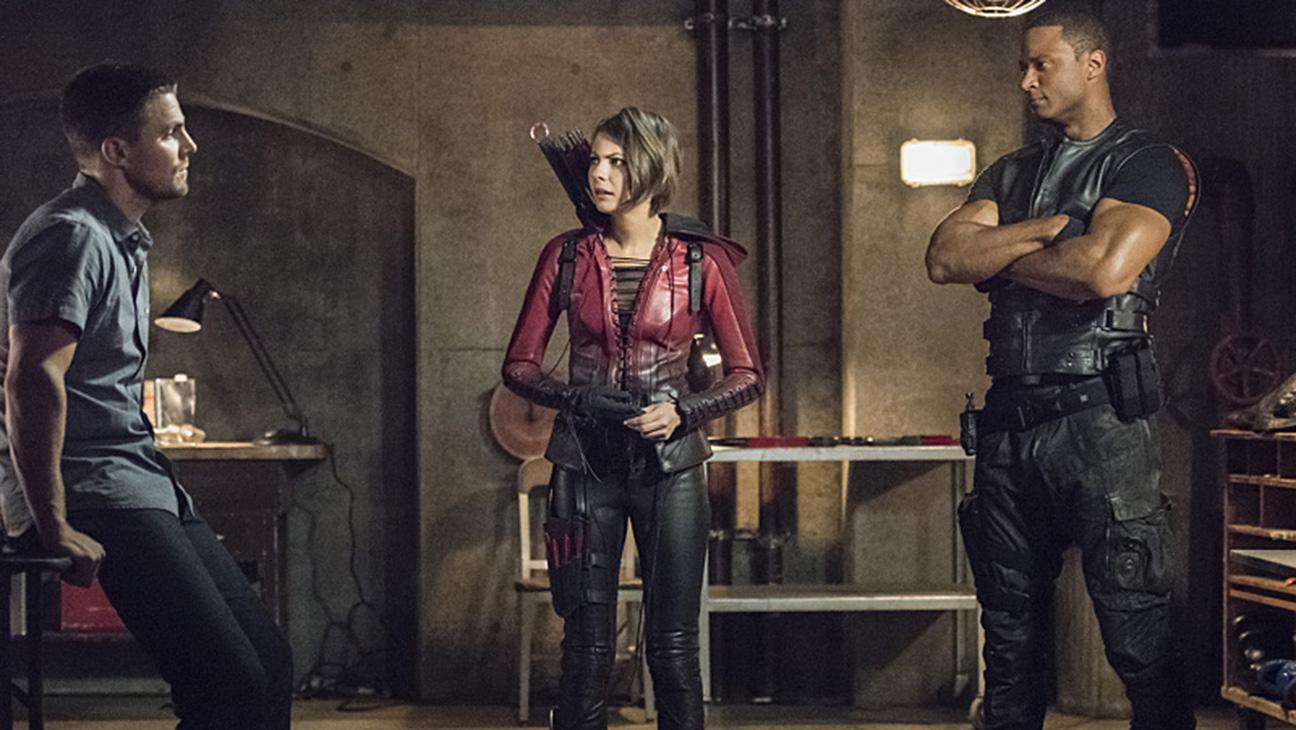 'Arrow': Who's In the Flash-Forward Grave? Seven Likely Suspects