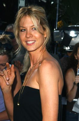 Premiere: Jenna Elfman at the Beverly Hills premiere of Paramount Pictures' The Manchurian Candidate - 7/19/2004