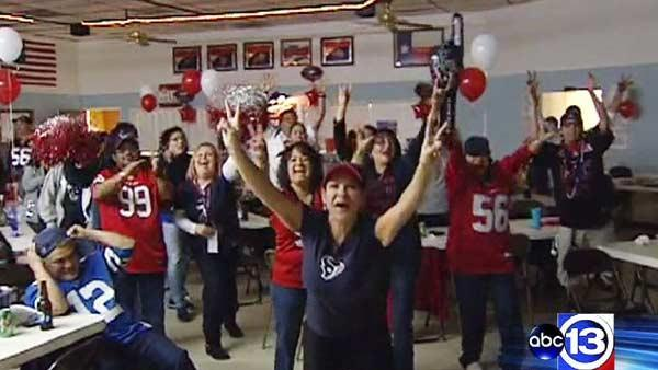 Texans fans host local watch parties