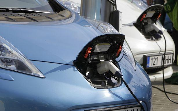 Nobody Wants to Buy Electric Cars