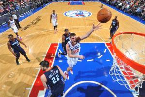 Allen's 22 rebounds lead 76ers past Bobcats 87-76
