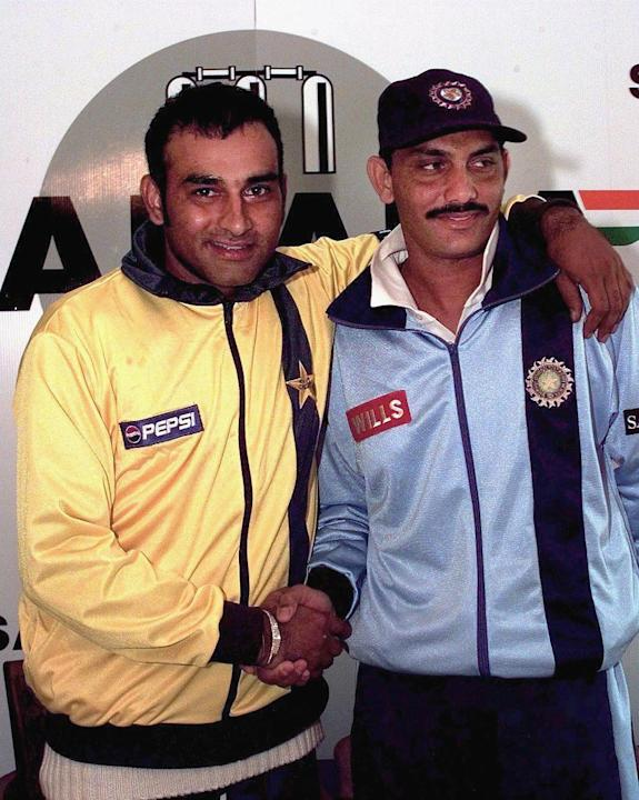 Aamir Sohail (L), captain of the Pakistani side an