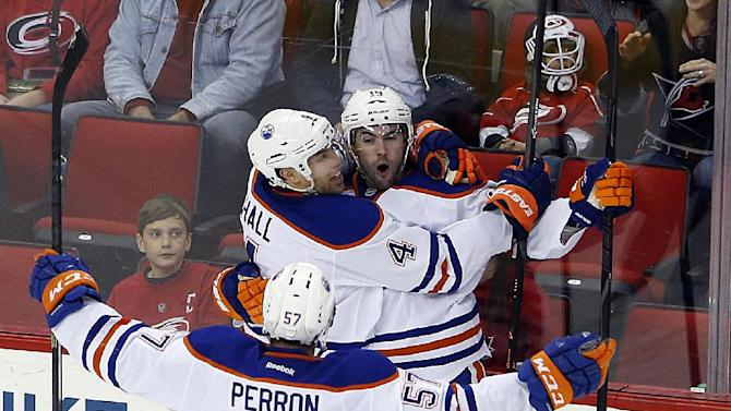 Oilers slip past Hurricanes for 2-1 victory
