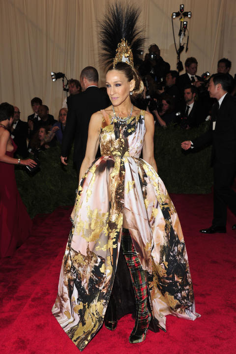 "Sarah Jessica Parker attends The Metropolitan Museum of Art's Costume Institute benefit celebrating ""PUNK: Chaos to Couture"" on Monday May 6, 2013 in New York. (Photo by Charles Sykes/Invision/AP)"