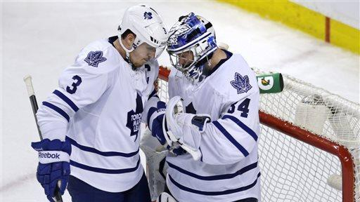 Leafs avoid elimination with 2-1 win over Boston
