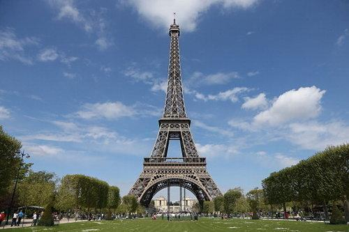 Globe Trotting: The Eiffel Tower Goes Green with Spiffy New Wind Turbines