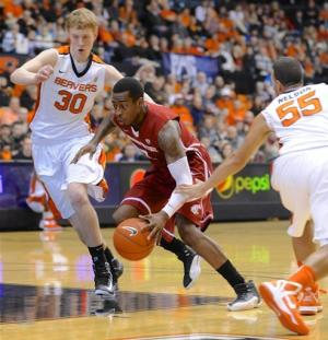 Ladd, Washington State hold off Oregon State 71-68