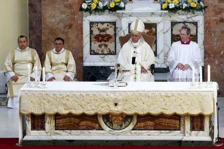 Pope tells elderly and sick he, too, is old and ailing