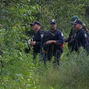 Officers swarm New York woods to find prison escapees