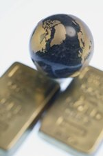 The Phenomenon That Will Force Central Banks to Buy Gold image 300913 PC lombardi