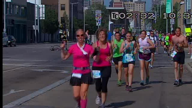 CLE Marathon runners 9:35 am - 9:45 am