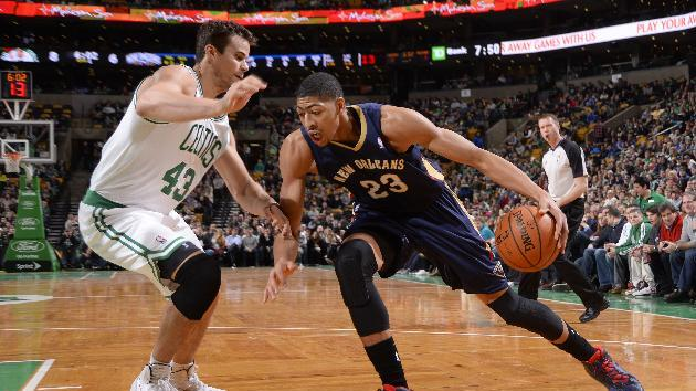 Davis, Evans carry Pelicans past Celtics 95-92