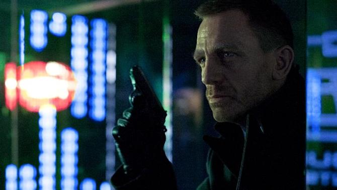 """In this image released by Sony Pictures, Daniel Craig portrays James Bond in a scene from """"Skyfall."""" (AP Photo/Sony Pictures, Francois Duhamel)"""