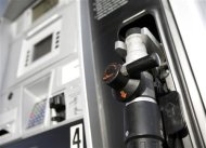 A CNG pump at a Blu LNG filling station in Salt Lake City, Utah, March 13, 2013. ENN Group Co Ltd, one of China&#39;s largest private companies, is quietly rolling out plans to establish a network of natural gas fueling stations for trucks along U.S. highways. To match Exclusive ENN-LNG/USA REUTERS/Jim Urquhart