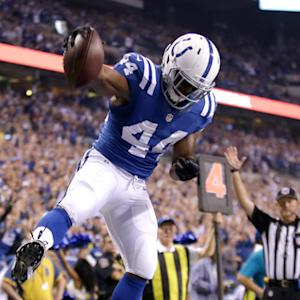 Indianapolis Colts running back Ahmad Bradshaw scores on fourth down